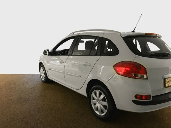 Renault Clio III 1,2 TCe Expression ST - billede 2