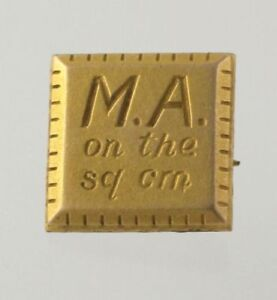 WFU-Club-Pin-Gold-Toned-Wake-Forest-University-034-MA-on-the-sq-cm-034-Collectible