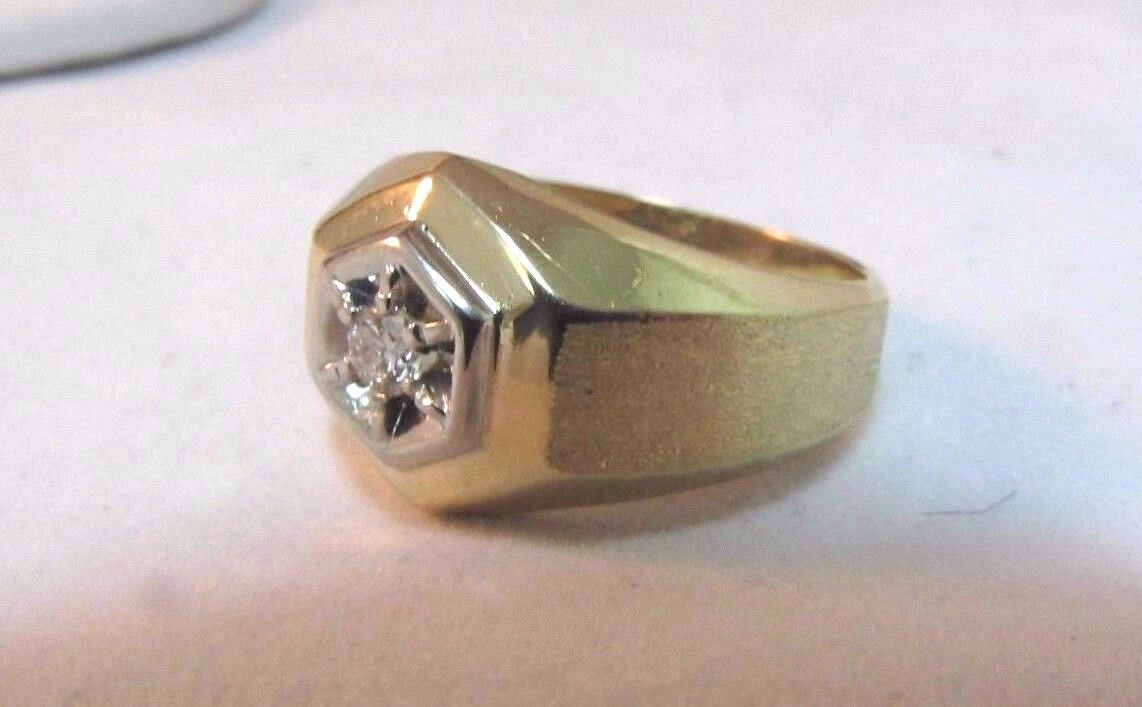 14K Solid Gold Solitaire Diamond Ring-Size 7. Uni… - image 4