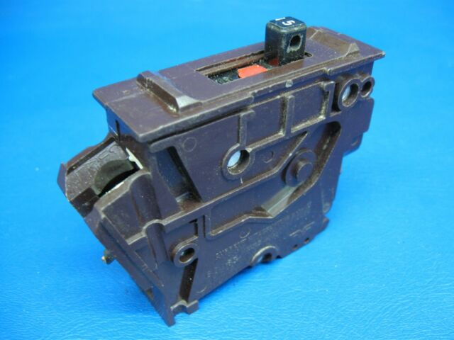 Plastic Foot- Warranty Wadsworth A15 15 Amp 1 Pole Circuit Breaker 120 Volt