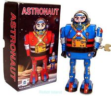 Tin Toy Windup Astronaut Robot Astroman Blue - T.N. Japan style