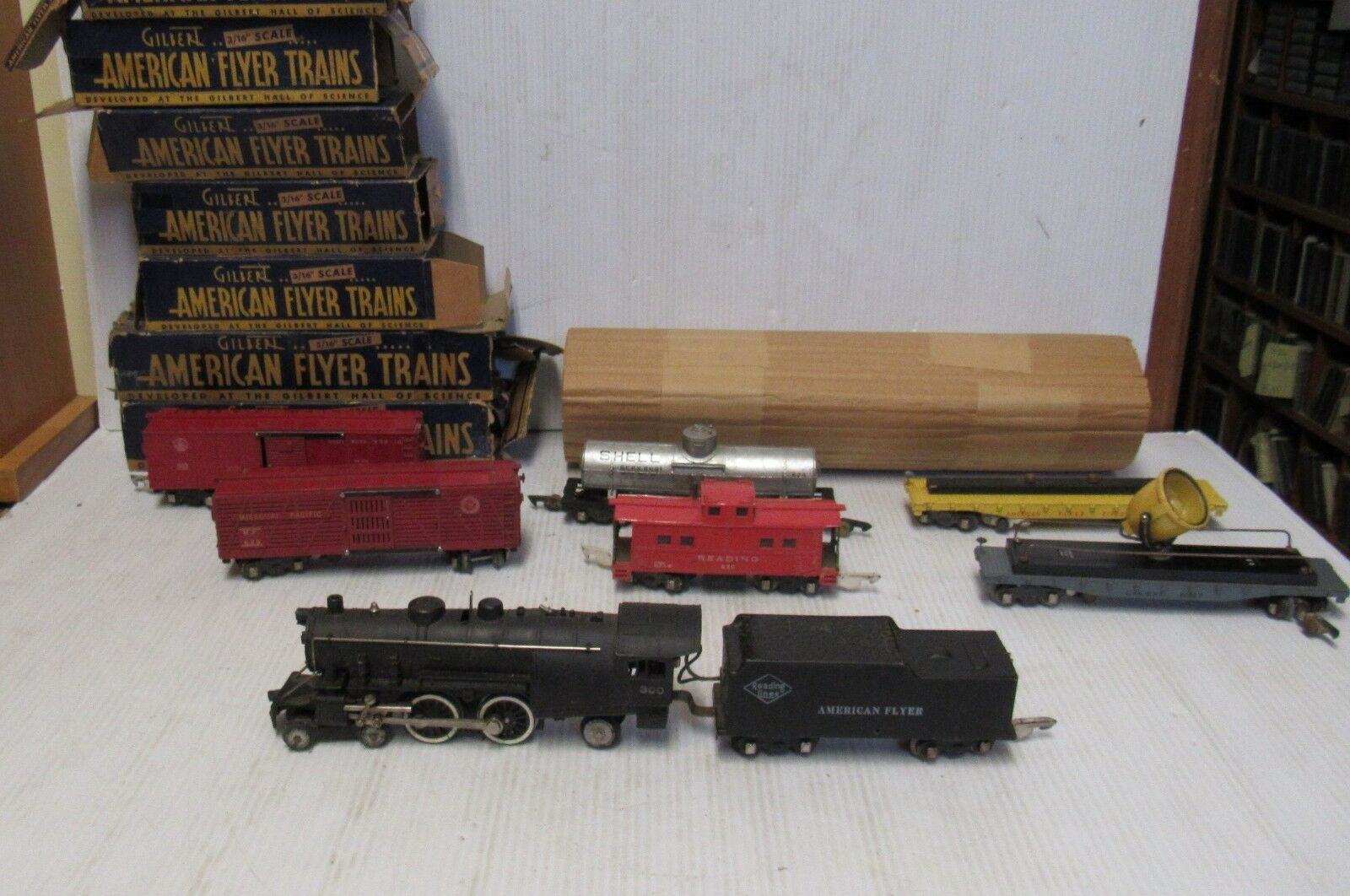 American Flyer Reading Lines  300 Locomotive, Tender and  6  Cars w/Boxes