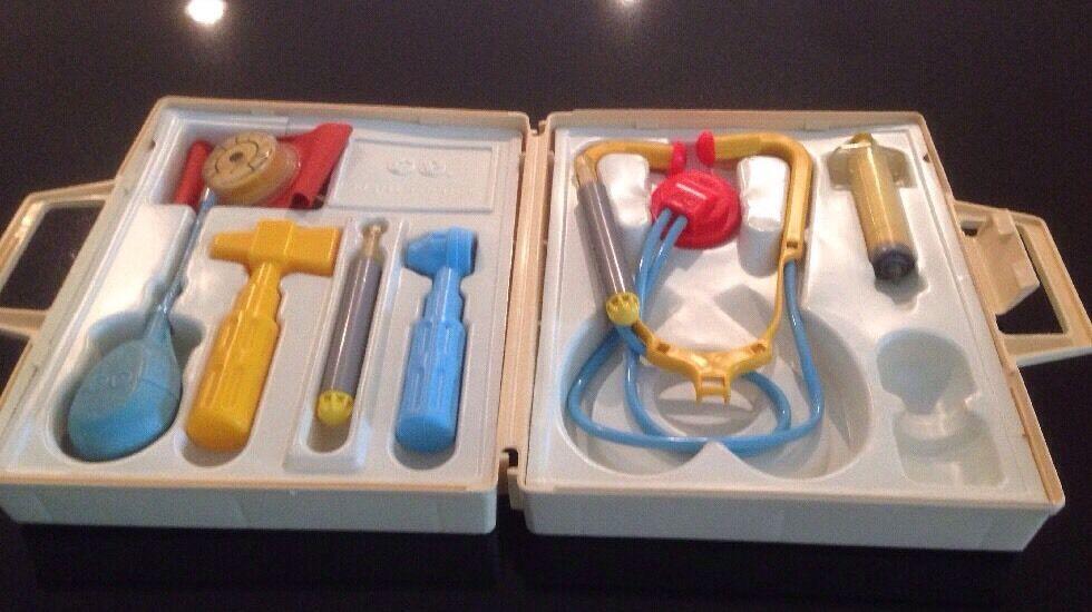 FISHER PRICE 936 Medical Kit Set & 924 Tool Tool Tool Kit fd0865