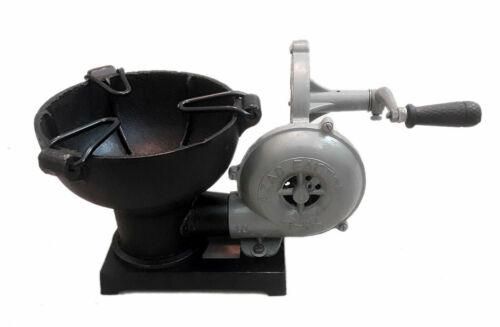 Vintage Blacksmith Antique Forge Ofen mit Handgebläse Pedal Typ Griff