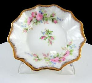 ROSLYN-ENGLAND-MOSS-ROSE-amp-GOLD-SCALLOPED-RIM-4-1-2-034-SWEET-MEAT-DISH