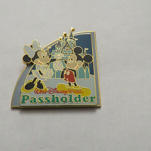 Disney-WDW-Passholder-Exclusive-2008-Passholder-Mickey-amp-Minnie-Pin