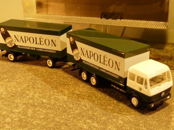 1 87 Herpa Albedo MB NG Napoleon Sekt Koffer Hängerzug