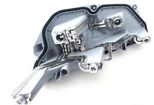 Nuevo-Genuino-Audi-TT-Cab-Coupe-O-S-Trasera-Derecha-Cola-Bombilla-titular-8J0945258A