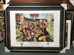 AWESOME-RARE-ESSENDON-039-YEAR-OF-THE-BOMBERS-039-HAND-SIGNED-FRAMED-PRINT-PICK-UP
