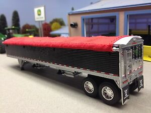 1/64 DCP BLACK WILSON PACE SETTER GRAIN TRAILER W/ RED TARP