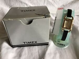 TIMEX-Ladies-Classic-Watch-Black-Leather-Band-NIB-Needs-Battery-Included