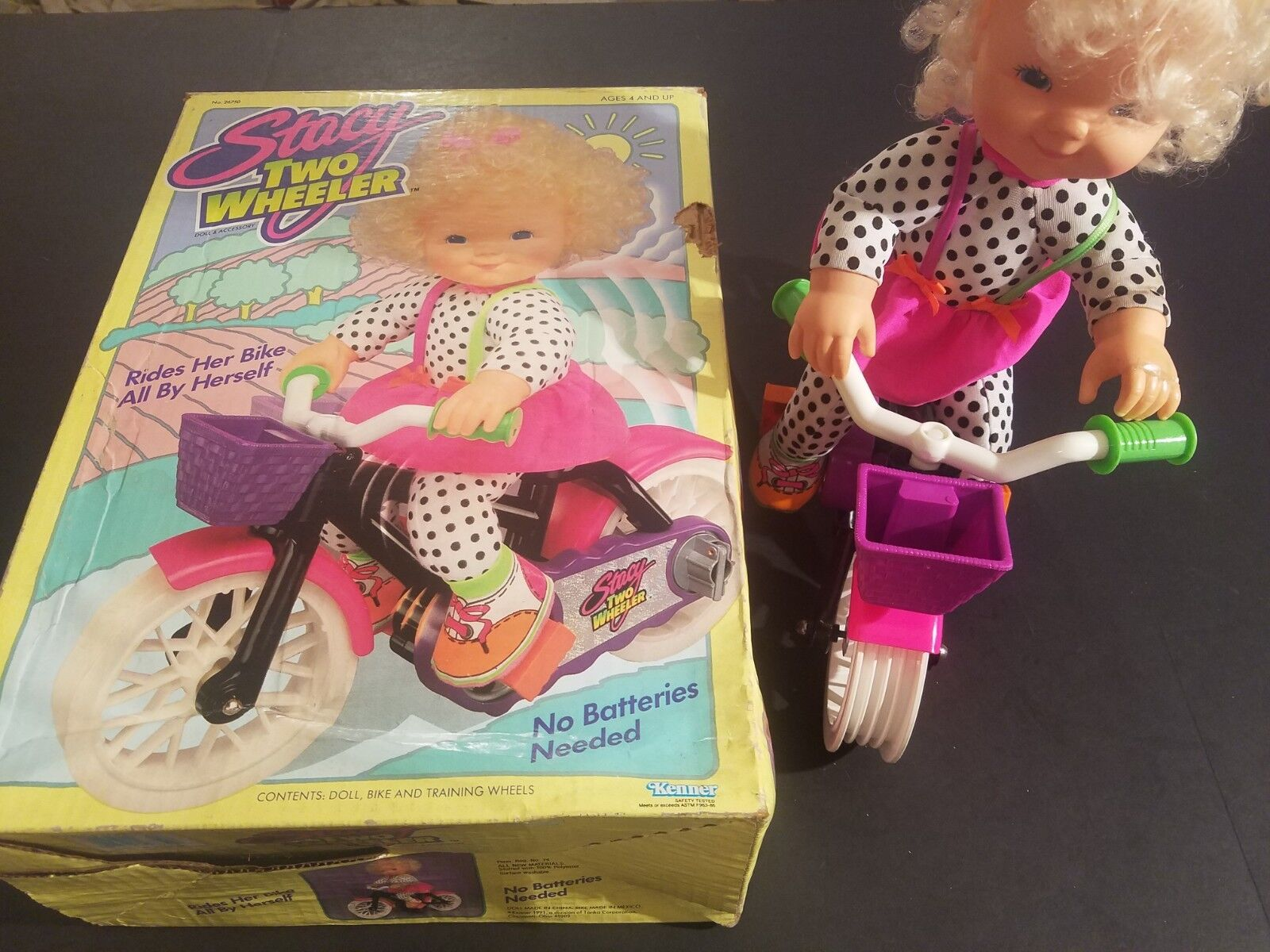 Vintage 1991 Kenner Stacy Dos Wheeler Muñeca en Caja Doll-Bike-Training Ruedas
