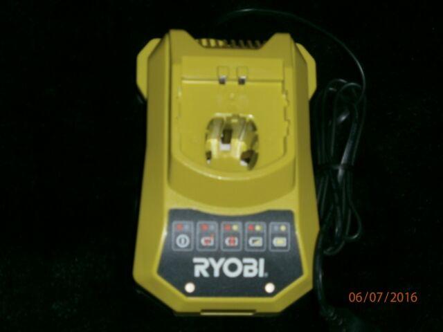 Ryobi BCL14181H 18V One+ Ladegerät - Neu!