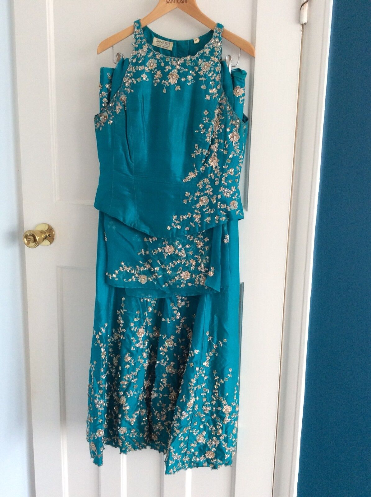 Traditional Indian outfit- size small  36 -RRP  - SANTOSHI - teal - designer