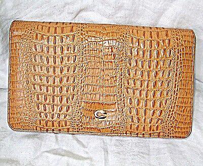 * Vintage Coccodrillo O Ecopelle Pochette Oro Metallo C Sopra Snap Fibbia Smart Chic-mostra Il Titolo Originale
