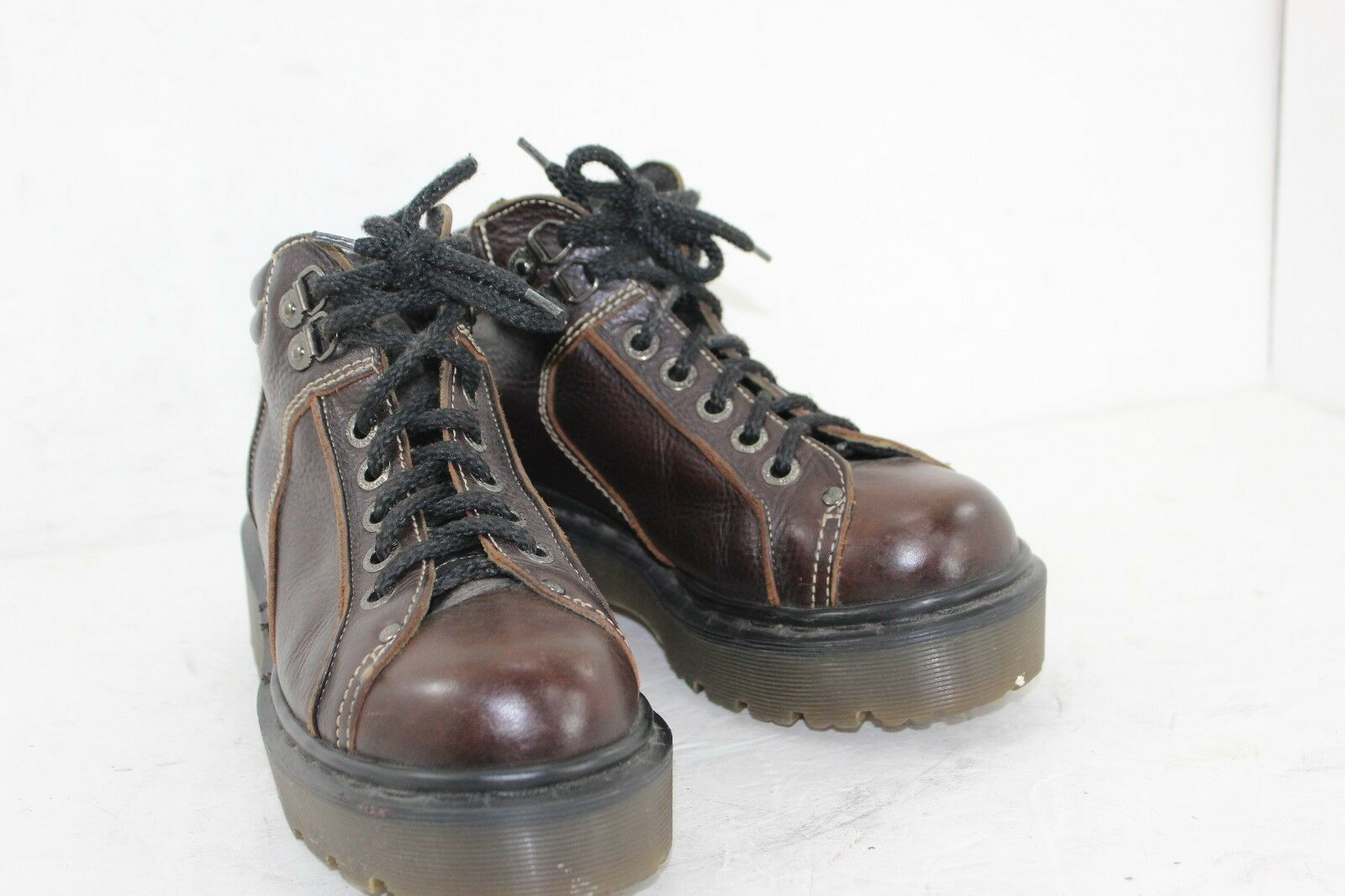 DR MARTENS BOOTS SZ 7 WOMENS MADE IN ENGLAND IN GREAT CONDITION
