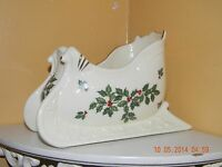 Formalities By Baum Bros Ivory & Gold Coll. 5 H Sleigh Bowl Holly & Berries
