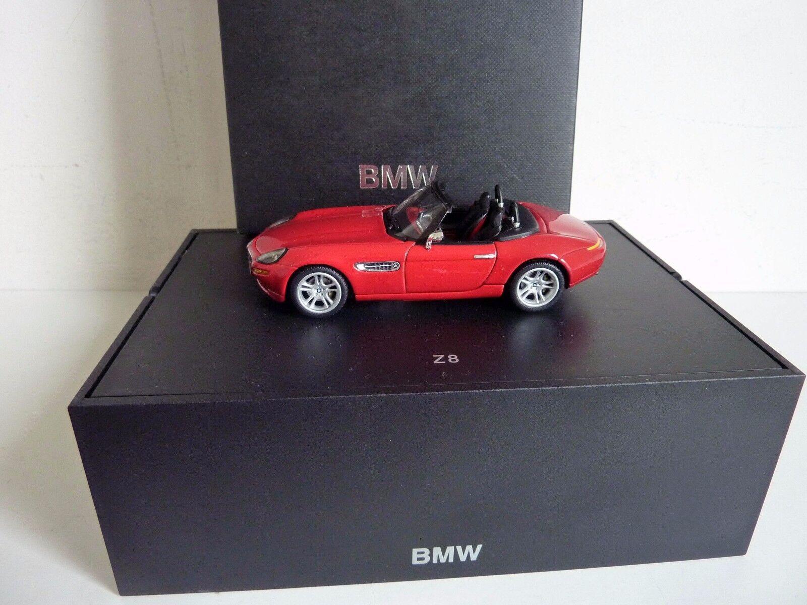 MINICHAMPS BMW Z8 CABRIOLET red 1 43 COFFRET REVENDEUR COMME NEUF