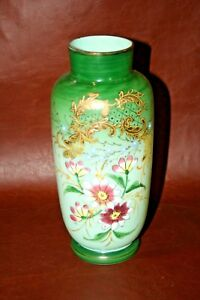 Very-Nice-Antique-9-034-Tall-Bristol-Hand-Painted-Floral-Green-Victorian-Glass-Vase