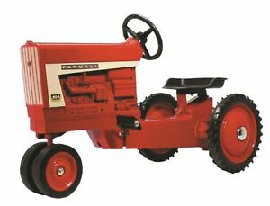 Farmall-504-Narrow-Front-Pedal-Tractor