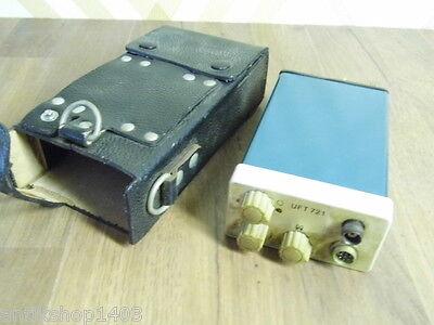 Nr C909 // Altes DDR Funkgerät mit Tasche