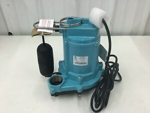 LITTLE-GIANT-6EC-CIA-SFS-1-3-HP-Cast-Iron-Submersible-Sump-Pump-w-Vertical