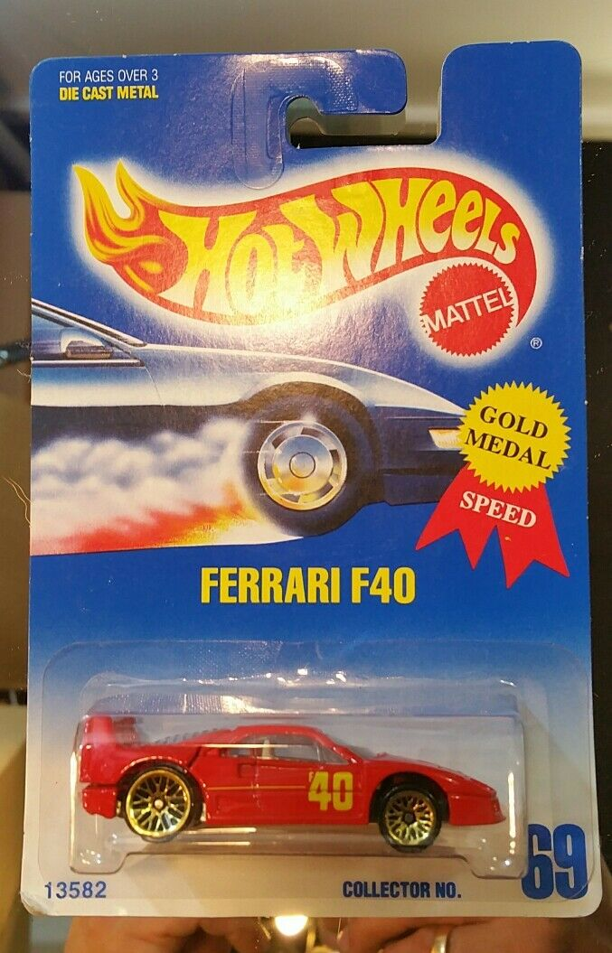 VARIATION Hot Wheels Ferrari F40 Red with gold Ultra Hots bluee Card 1992