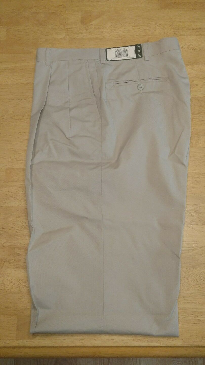 Berle mens 34 pleated pants nwt unhemmed made in USA