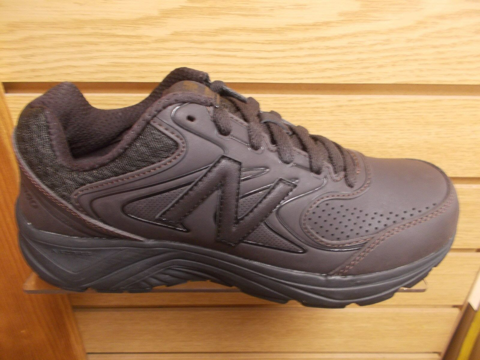 NEW BALANCE MEN'S MW840 V2  WALKING SHOE  EXTRA WIDE 4E WIDTH MULTIPLE SIZES NEW
