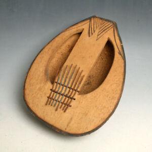 Antico strumento musicale africano M'BIRA