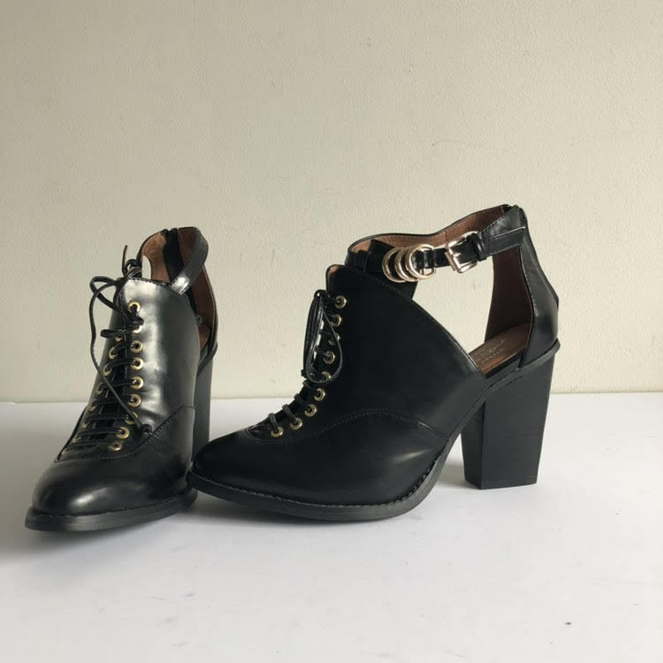Free People Jeffrey Campbell 8 Black Leather Ankle Lace Up Bootie Cutout