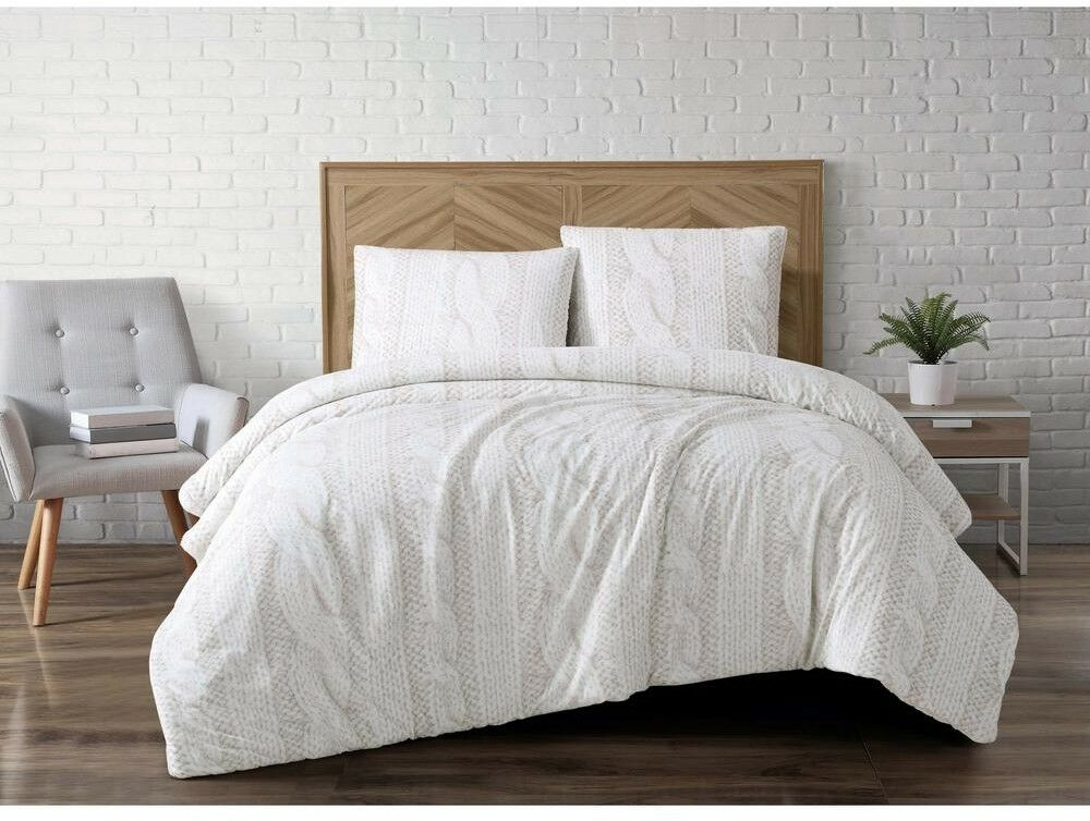 Comforter and Pillow Set Sherpa Fur Fabric w  Printed Cable Pattern Full Queen