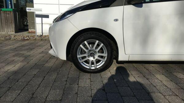 Toyota Aygo 1,0 VVT-i x-wave Sky - billede 3