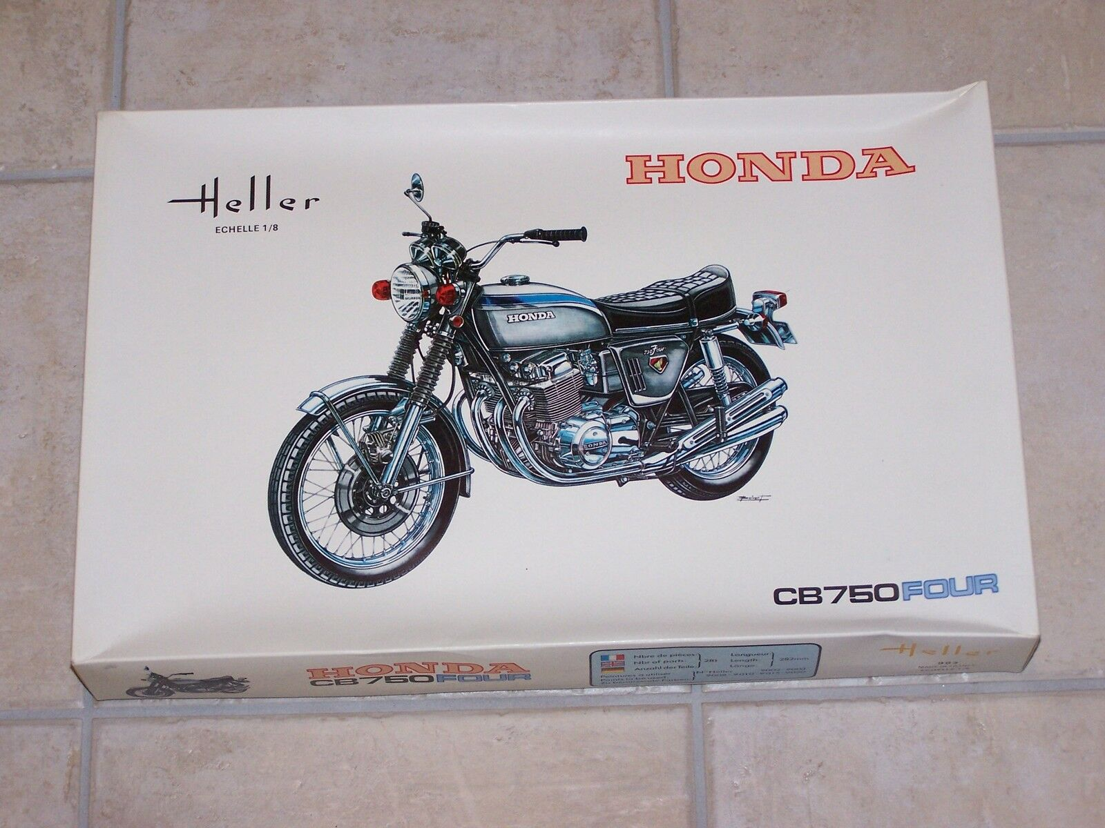 Vintage Maquette HELLER  1 8ème  HONDA CB 750 FOUR