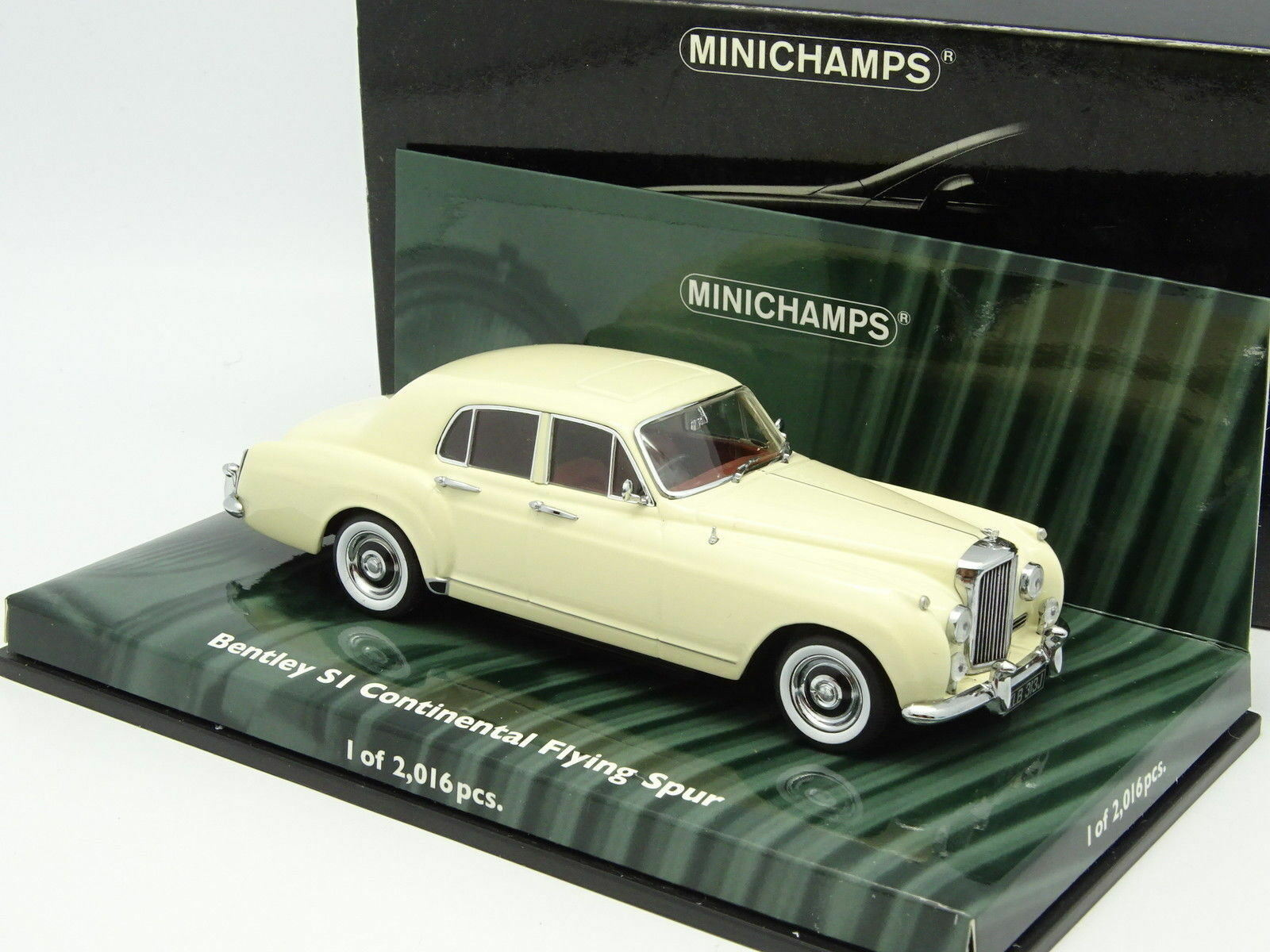 Minichamps 1 43 - Bentley S1 Continental Flying Spur White