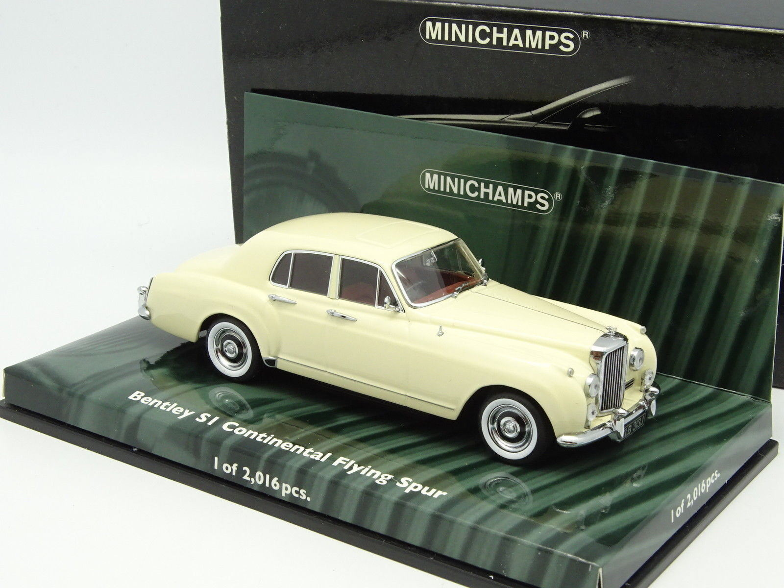 Minichamps 1 43 - Bentley S1 Continental Fliegening Spur Weißhe