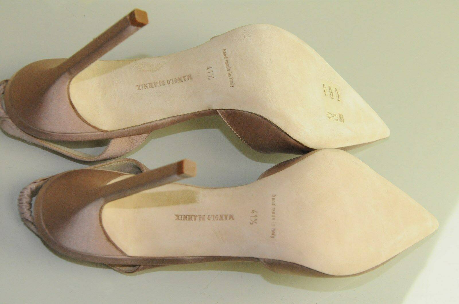 New MANOLO BLAHNIK BLAHNIK BLAHNIK  Carolyne Beige Nude Satin chaussures 42 41.5 fc00c2