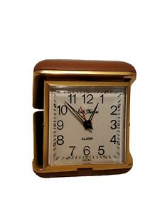Vintage-Seth-Thomas-Travel-Alarm-Clock-Folding-Case-1960s-Brown-Leather-Wind-Up