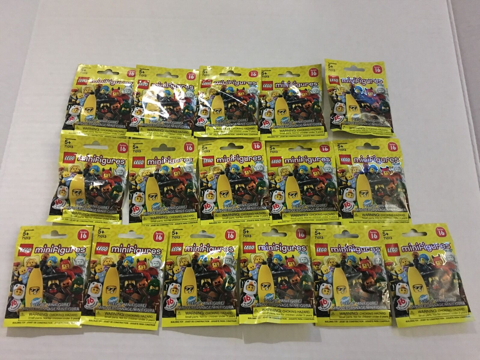 LOT 16 LEGO MINIFIGURES SERIES 16 COMPLETE SET NEW  IN HAND READY TO SHIP.