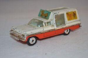 Corgi-Toys-486-Chevrolet-1959-Delivery-Kennel-Service-Wagon