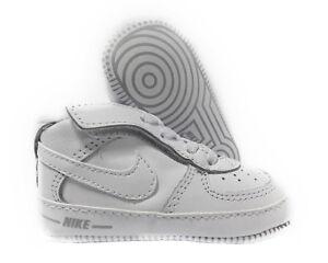 su 0 Fondo Bianco Bimbo Confezione Dettagli Culla Scarpe Air Force 3m08 Regalo Morbido Nike UGzMVqpS