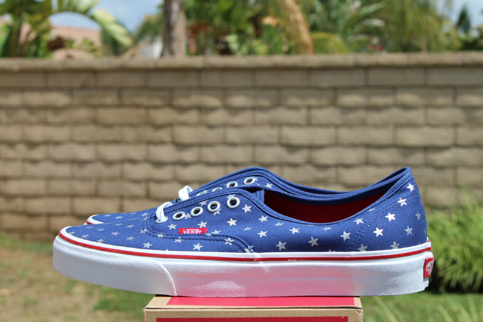 VANS CLASSIC AUTHENTIC SZ 6 STUDDED STARS RED VN BLUE OFF THE WALL VN RED 018BH0F c19bcb