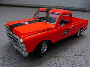 CHEVROLET-c-10-1968-Pick-up-Camion-STP-RACING-Naranja-Negro-ACME-Coche-Modelo-1