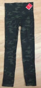 Lot of 2 NWT SPANX FAUX LEATHER GREEN /& BLACK CAMO LEGGINGS PANTS size S M or L