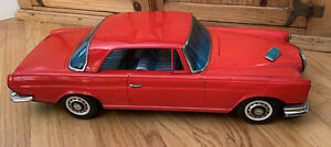 Vintage-Mercedes-Benz-300SE-Pressed-Steel-Car-Toy-Collectible-24-Inch-Long-Rare