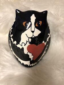 Cats-by-Nina-Black-and-White-Cat-Vase-With-Heart-Orange-Eyes-6-5