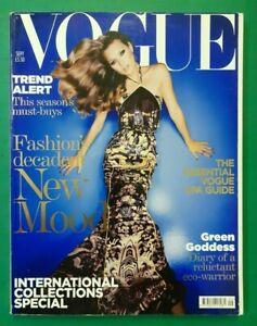 Vogue-UK-September-2004-Kate-Moss-Gemma-Ward-Elise-Crombez-Diana-Dondoe-Magazine
