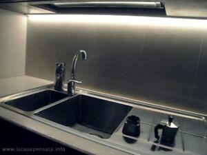 Striscia led Sottopensile Cucina Dimmerabile GIA\' MONTATA Su Misura ...