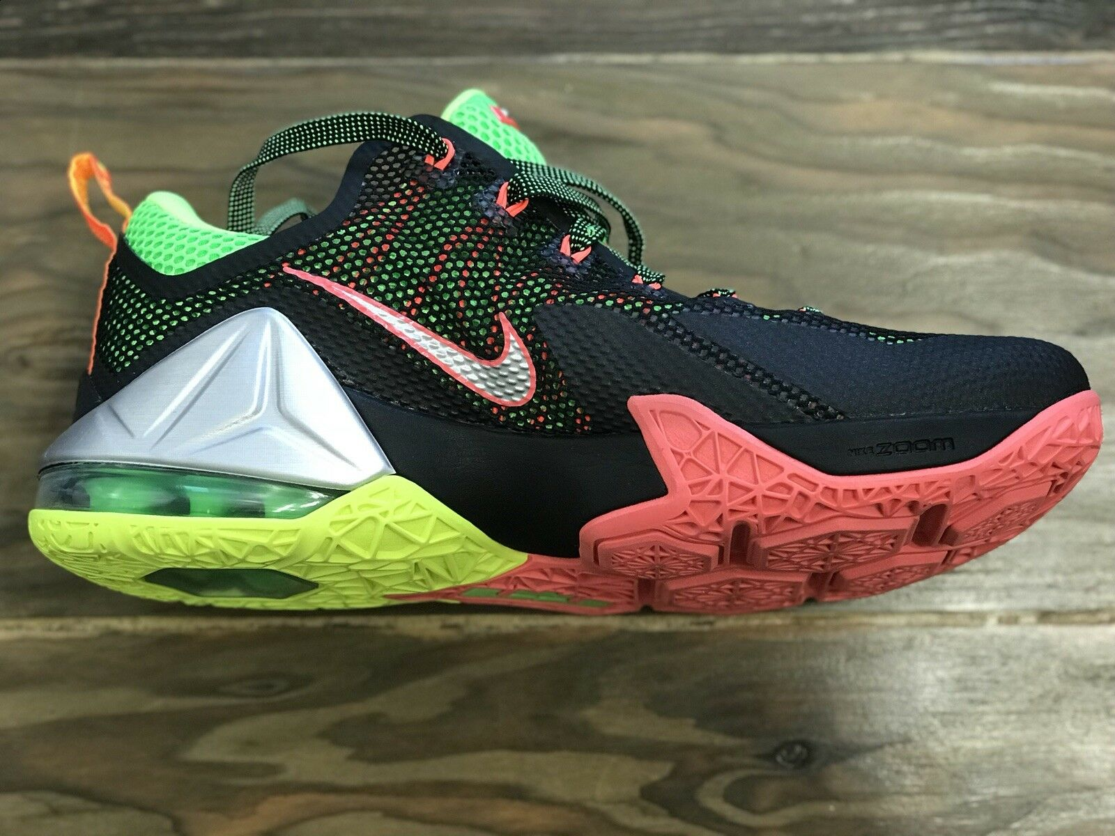 Nike männer lebron xii 12 niedrig 724557 724557 724557 003 schwarz silber neongrün punsch sz 9,5 c115ca