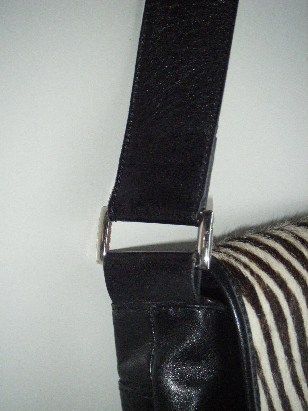 Hochwertige Luxus- Ledertasche  Breuninger Exclusive   schwarz mit mit mit Fellbesatz | Mangelware  dd8281